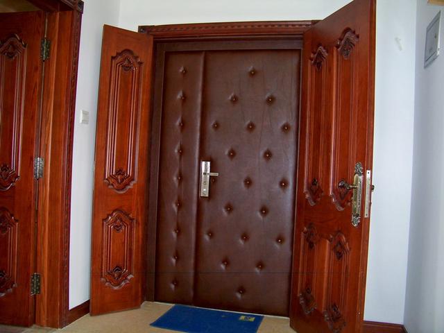 安装防盗门需要哪些五金配件