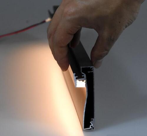 踢脚线加上灯带,家里要这样设计,才干让家高达上