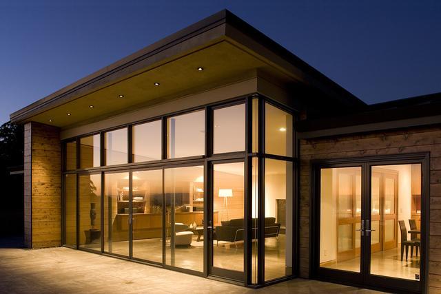 高档户型为什么喜欢选择装修落地窗?