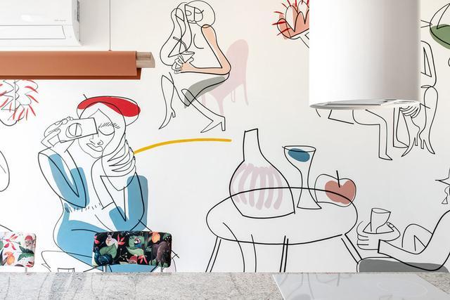 专为女性设计的家居空间!以珊瑚色为基调的现代公寓设计